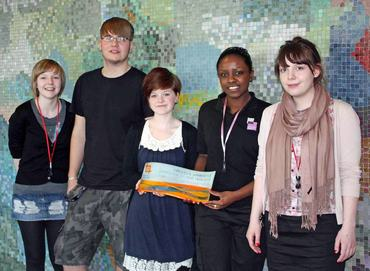Belgrade Apprentices - Tia Guest - Marcus Cameron - Abbie Willetts - Melissa Jordan - Rosie Mackie with the award